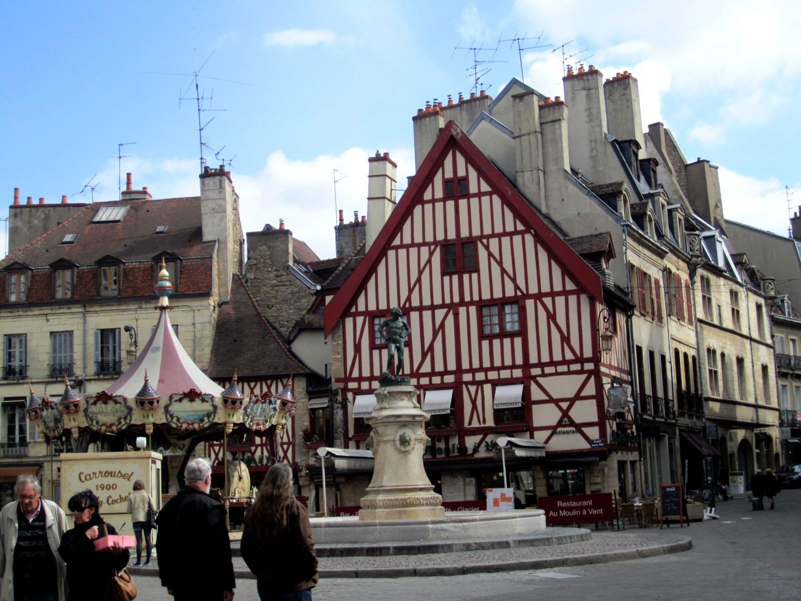 Restaurant Dijon Place Du Bareuzai